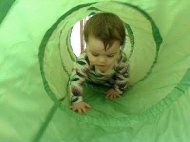 IKEA green tunnel play tent toy