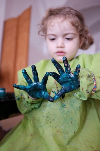 NON-TOXIC, NATURAL & ORGANIC ART SUPPLIES FOR KIDS Painted Hands